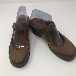 White Mountain Shoes Clogs Leather Brown Size 7